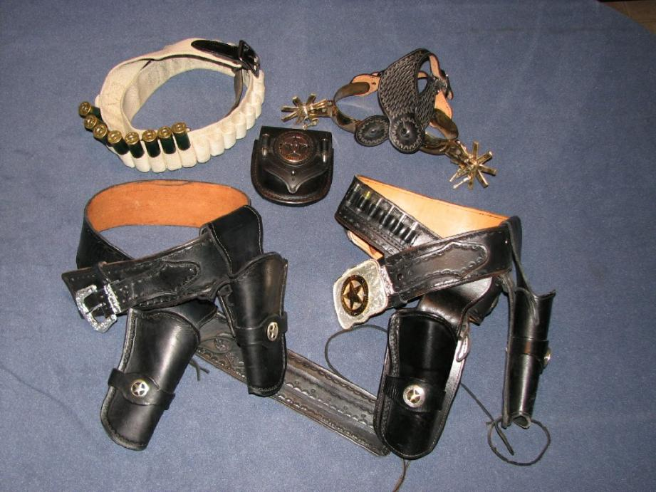How many rounds-holsters2.jpg