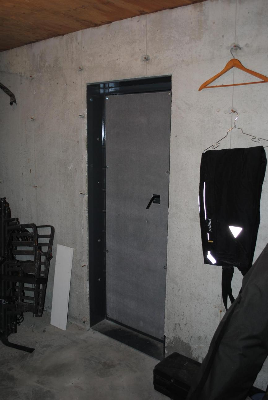 ... U0026quot;gun Safeu0026quot; Closet Safe Room Interior 2